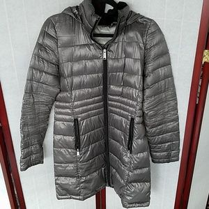Andrew Marc silver packable down jacket. Size S.